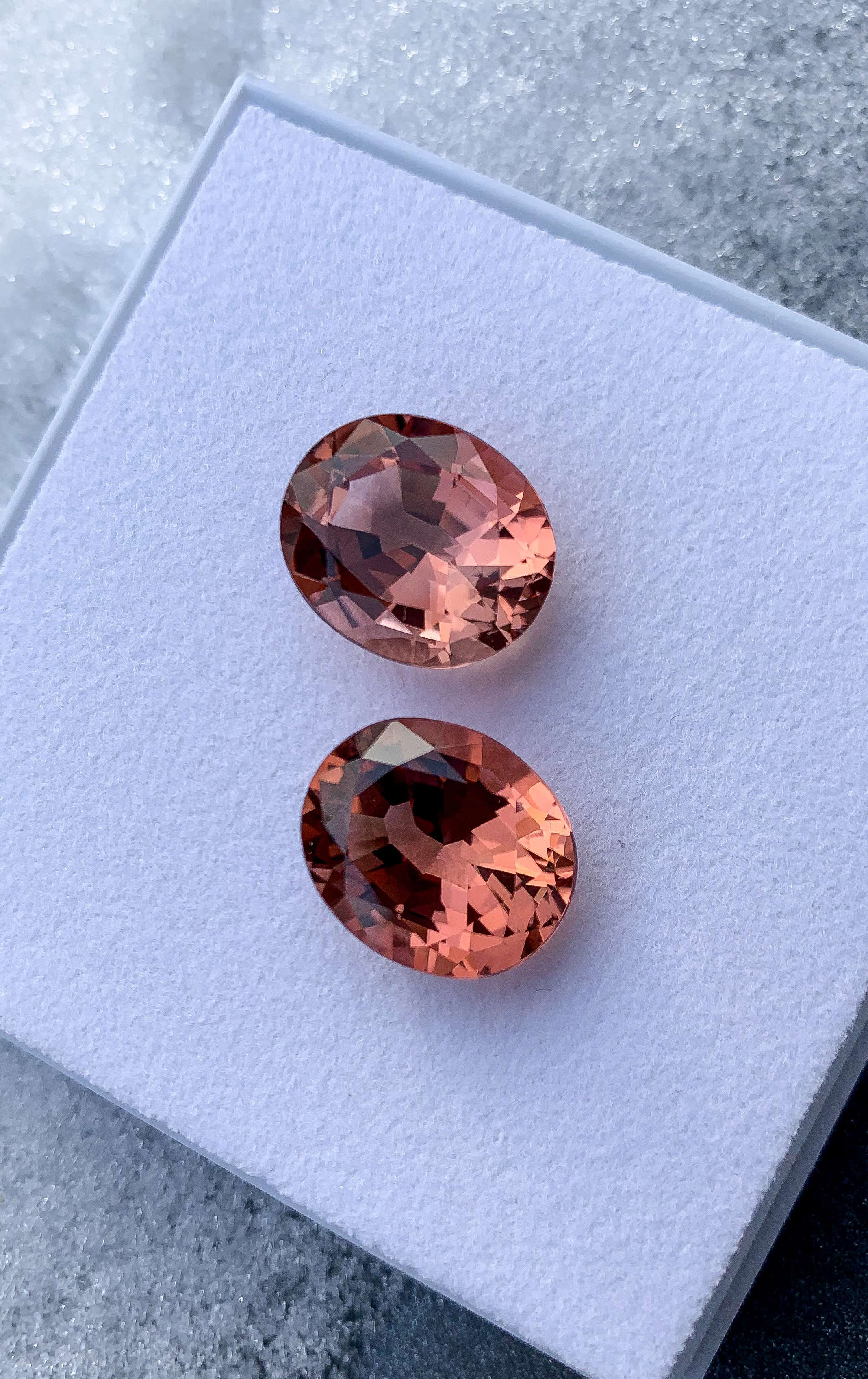 Why cognac-colored tourmalines are just right now!